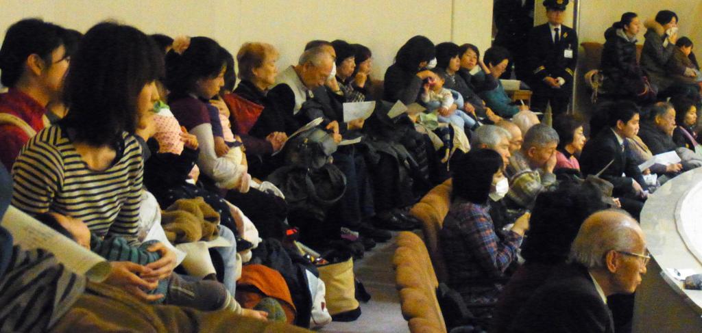 http://yamadakohei.jp/blog_upfile/%E4%BF%9D%E8%82%B2%E8%B3%AA%E5%95%8F%E5%82%8D%E8%81%B4.JPG