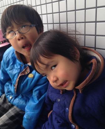 http://yamadakohei.jp/blog_upfile/%E5%A4%89%E9%A1%942%E4%BA%BA.jpg