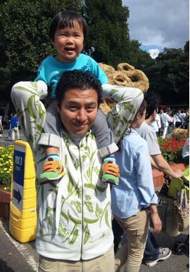 http://yamadakohei.jp/blog_upfile/%E8%82%A9%E8%BB%8A%EF%BC%91.JPG