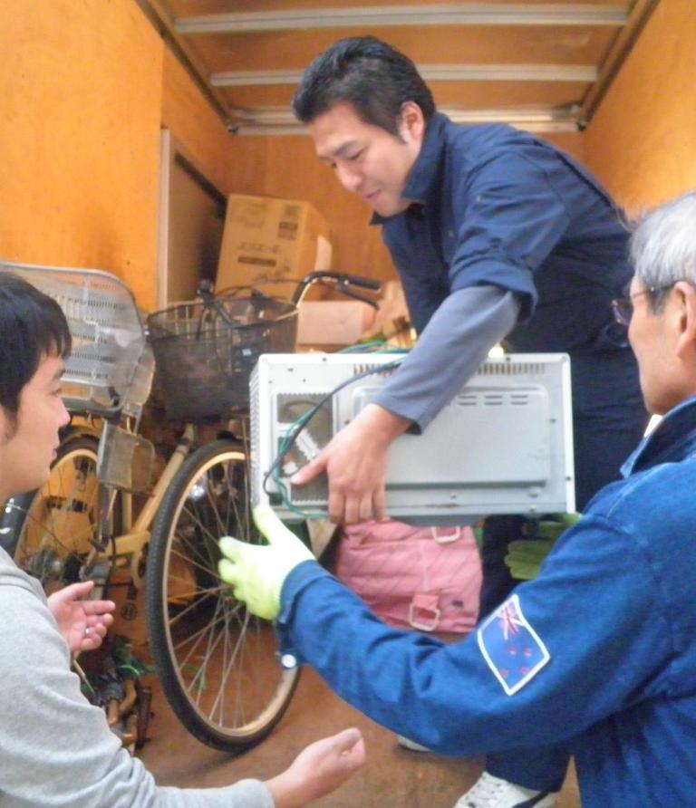 http://yamadakohei.jp/blog_upfile/%E8%A2%AB%E7%81%BD%E5%9C%B0%E6%94%AF%E6%8F%B4201211%E2%91%A2.JPG