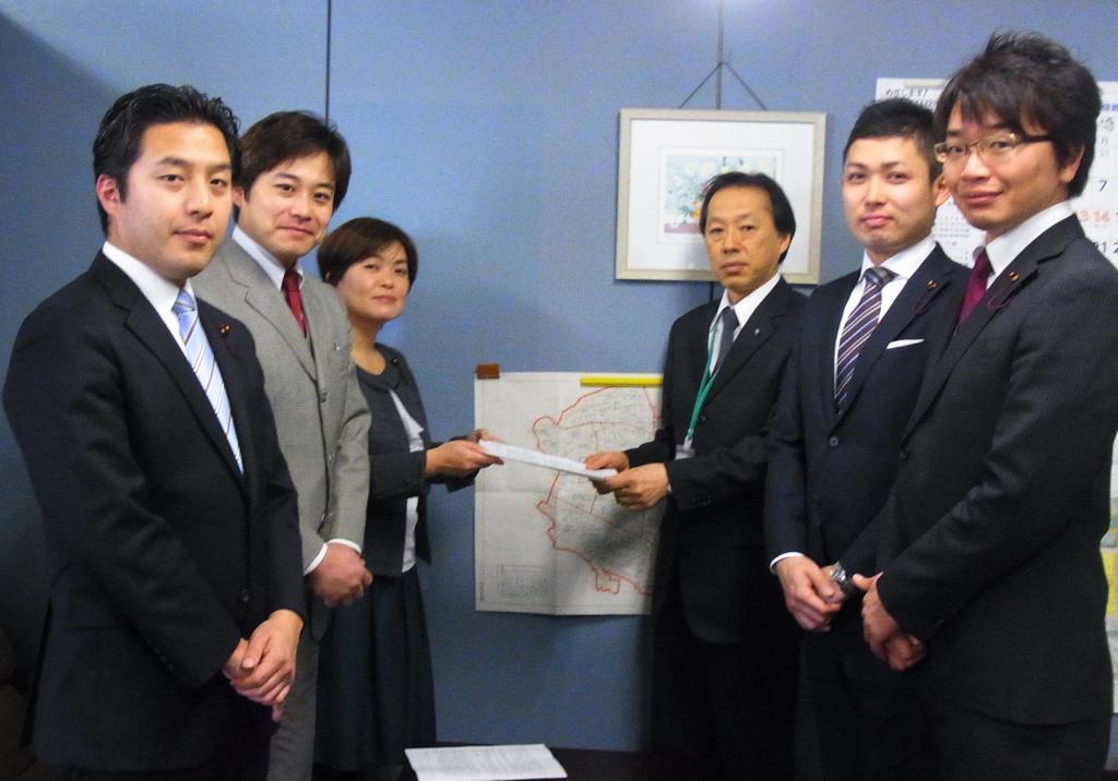 http://yamadakohei.jp/blog_upfile/2013%E7%94%B3%E3%81%97%E5%85%A5%E3%82%8C%E5%86%99%E7%9C%9F.JPG